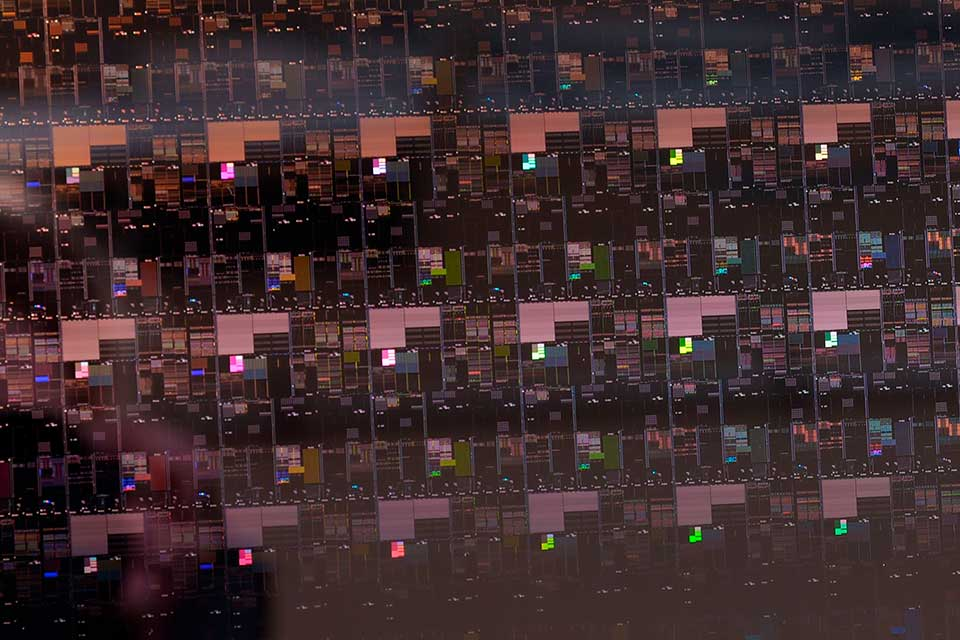 IBM-Research-2-nm-Wafer-Close-up
